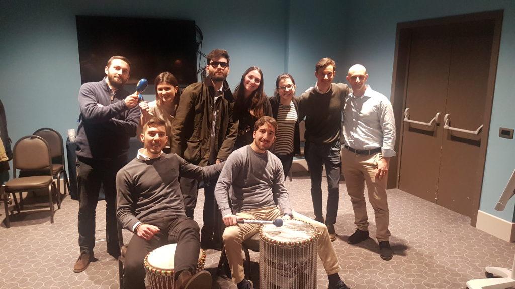 musica tamburi percussioni attività team building cena natale jingle